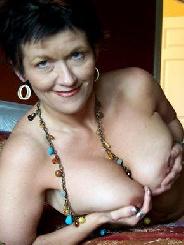 Heisse reife Frau aus Angermünde sucht was zum ficken